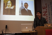 7 | Shakespeare, Obama und Arthur Jacobs (v.l.)